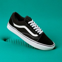 Vans Women Shoes ComfyCush Old Skool Black/True White