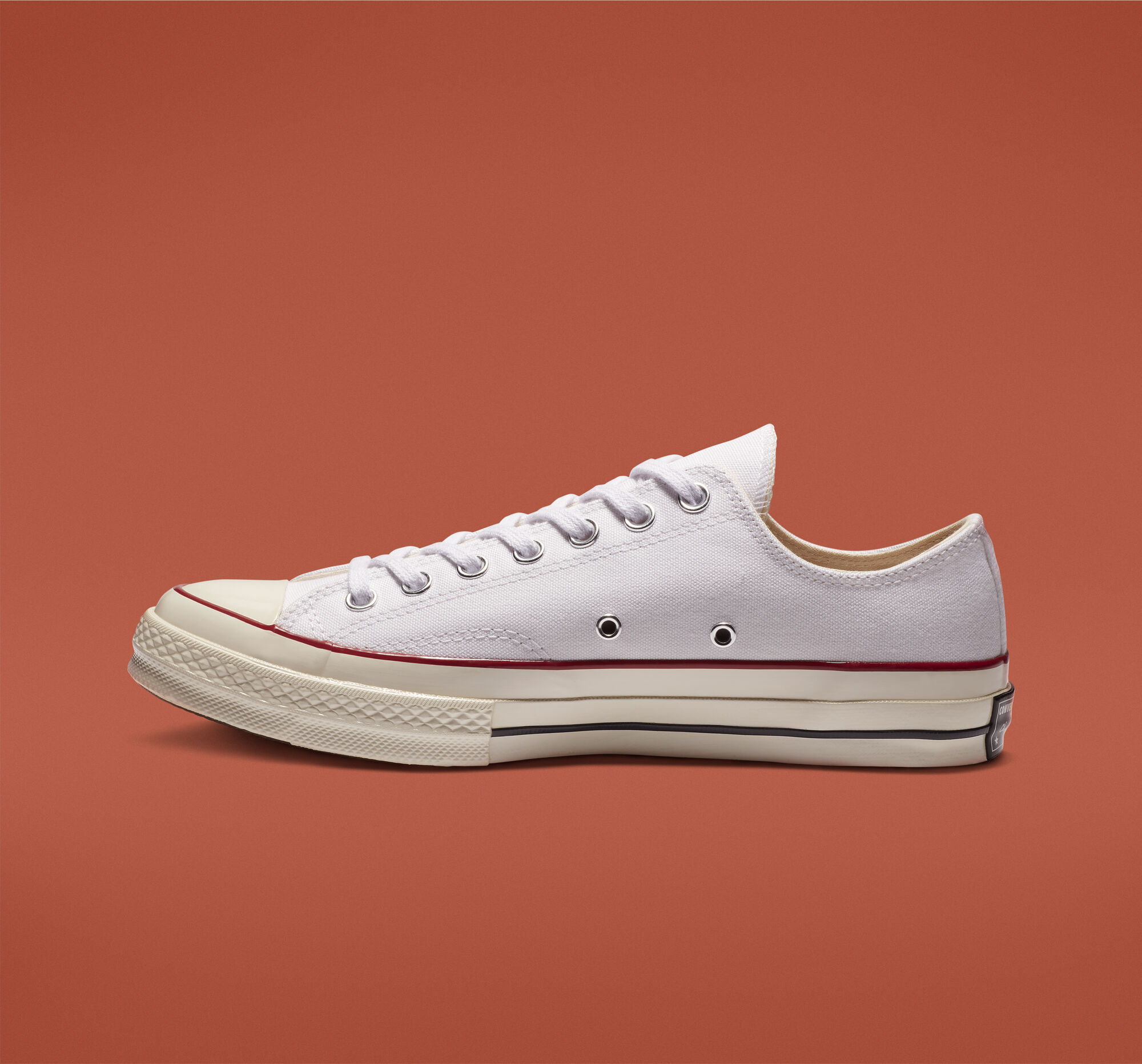 chuck 70 low top white